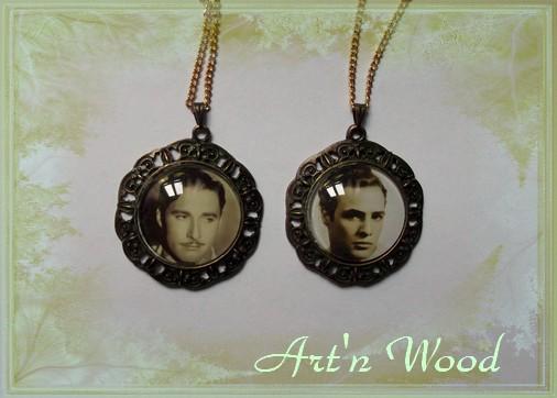 Création sur-mesure de deux pendentifs avec photos d`acteurs célèbres sui seront utilisés comme accessoires de théatre lors d`un spectacle - Art`n Wood, créatrice de bijoux personnalisés, cadeaux