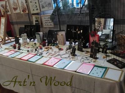 marché de Noël 2019 St Claude Art`n Wood, sculptrice, artisan d`art, créatrice de bijoux sculptures et cadeaux d`art personnalisés en matières précieuses naturelles. Fait main et sur-mesure