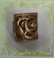 http://www.artnwood-bijoux.com/images/b/bag/bague-medievale-griffon-bronze-homme-220.jpg