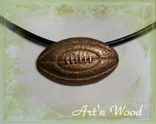 bijou homme artisanal ballon rugby bronze doré massif texturé sport, sportif supporter, cadeau personnalisé, collier, pendentif Art`n Wood: bijoux de créateur, sculptures, cadeaux d`art, luxe