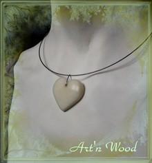amour, mariage, joli bijou artisanal pendentif coeur en ivoire végétal naturel sur tour de cou acier - Art`n Wood, créatrice de bijoux artisanaux, sculptures, cadeaux personnalisés
