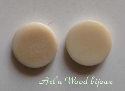 Jetons de remplacement pour restauration d`un ancien jeu de Dames en corozo ou tagua - Art`n Wood, sculptrice, artisan d`art, créatrice de bijoux artisanaux en matières précieuses naturelles, bois, os