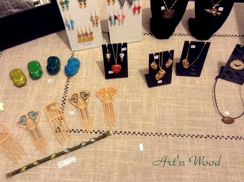 Art`n Wood, sculptrice, artisan d`art, créatrice de bijoux faits main, cadeaux sur-mesure et personnalisés en matières précieuses naturelles