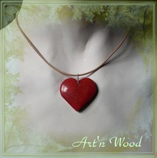 un amour de bijou artisanal, pendentif coeur en ivoire végétal rouge sur collier cuir naturel - Art`n Wood, créatrice de bijoux artisanaux, sculptures, cadeaux personnalisés