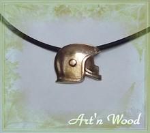 pendentif personnalisable casque de pompier F1 en bronze doré - Art`n Wood: créatrice de bijoux et sculptures en matières naturelles