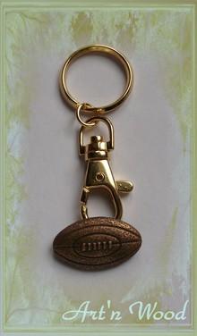 porte-clef sportif ballon de rugby en bronze doré patiné massif, XV de France, cadeau personnalisé - Art`n Wood: artisan d`art, bijou artisanal, sculptures, cadeaux d`art bronze, bois, corne, ivoire