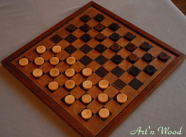 Objet de collection: restauration d`un ancien jeu de Dames en corozo - Art`n Wood, sculptrice, artisan d`art, créatrice de bijoux artisanaux en matières précieuses naturelles, créations sur-mesure