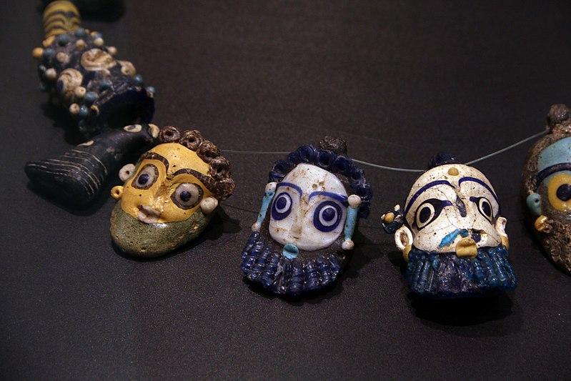 perles de verre, art phénicien, Ve s av JC - Art`n Wood, sculptrice, artisan d`art, créatrice de bijoux faits main en matières précieuses naturelles, cadeaux sur-mesure et personnalisé écolo-chics